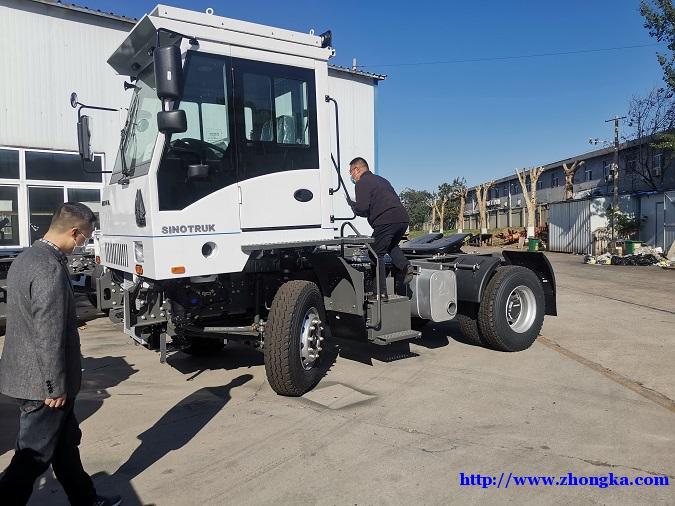 HOVA国六新型环保码头牵引车配置价格